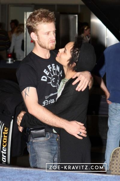 January 04th - At LAX Airport with Ben Foster - Zoe ...